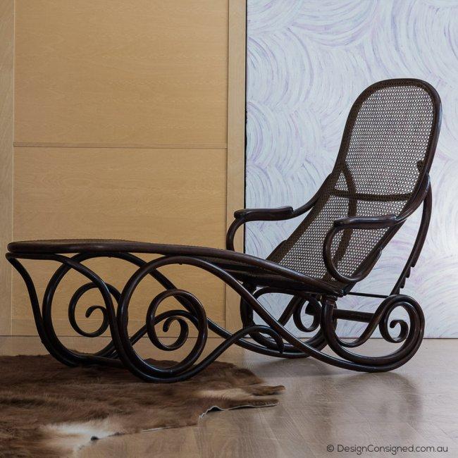 Vintage Thonet lounge chair