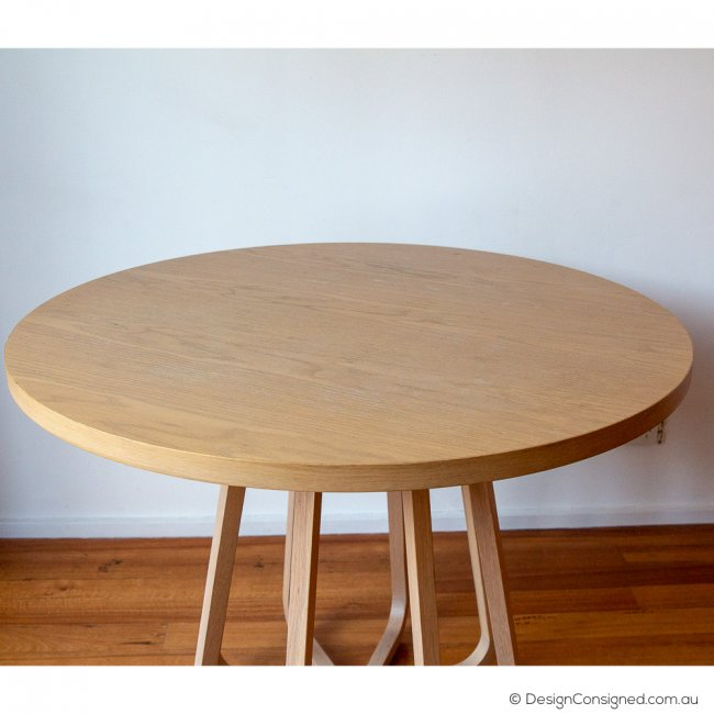 Round oak timber table