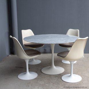 Tulip table by Eero Saarinen for Knoll
